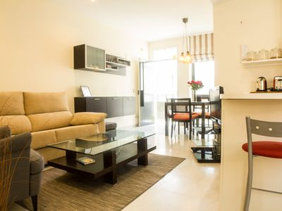 Photo for Wonderful Apartment in Historical Center Sevilla. 6 persons