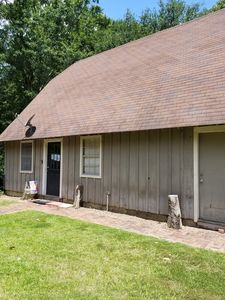 Photo for Cottage  2 bedroom 1 bath lake access seasonal, just ask. Six Mile on Toledo.