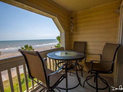 Photo for DIRECT VIEW OF THE BEACH AND OCEAN! HOT SPA! 2 Pools, Major attractions close by