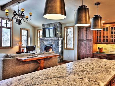 4 bedroom 4 bath single family home with private hot tub and great sledding