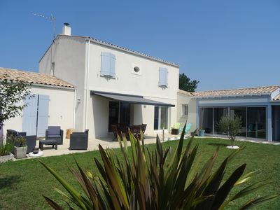Photo for NICE HOUSE, with pool, quiet, near La Rochelle and Ilederé