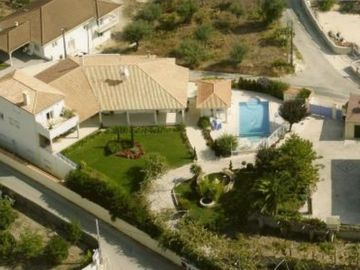 House for 2/10 people with pool near Fatima