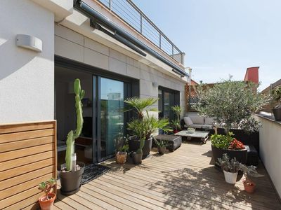 Photo for Modern 2 bed penthouse with 45sqm terrace