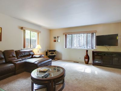 Photo for Cozy dog-friendly home for a large family w/ private hot tub & game room!