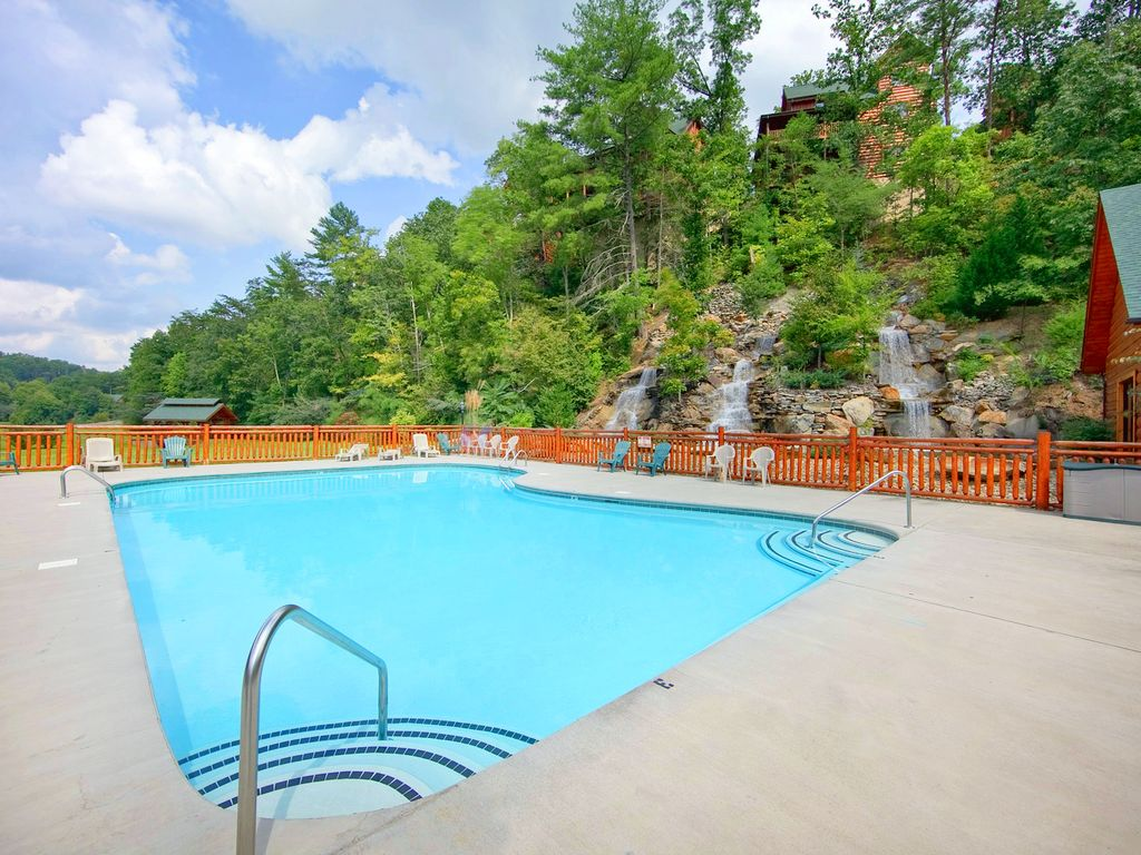 pools cabins private play pool splash forge indoor mountain smoky pigeon n with