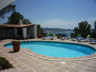 Photo for Stylish rural villa with private pool and fantastic views
