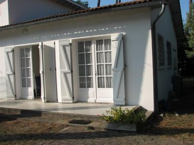 Photo for 2BR Apartment Vacation Rental in Ronce les bains