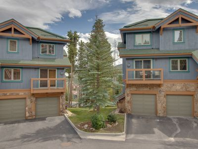 Photo for Ski-in/out condo w/shared pool & hot tub-near lifts, dining