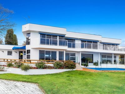 Photo for 5BR House Vacation Rental in Taupo, Waikato