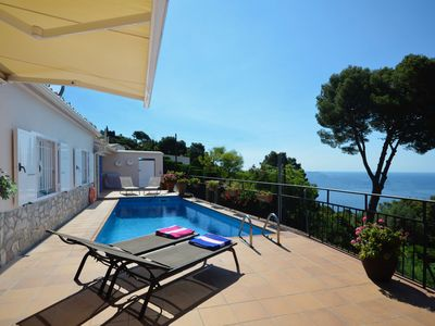 Photo for Holiday rental villa with swimming pool in Begur, Aiguablava