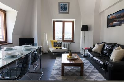 The open plan living area in Alpes V Apartment, Chamonix