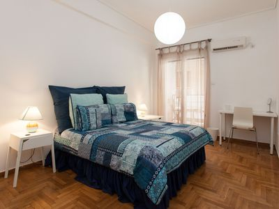 Photo for Lovely 2 bedroom apt in Metaxourgio Center