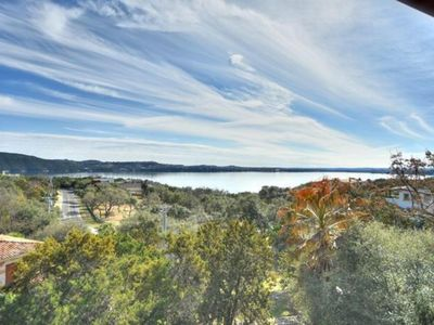 Beautiful Lake Views, Quiet Oasis Lake Travis, Peace Relaxation, entire home