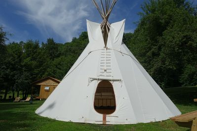 With it's queen sized bed and sleeper/sofa the tipi sleeps 4 guests.