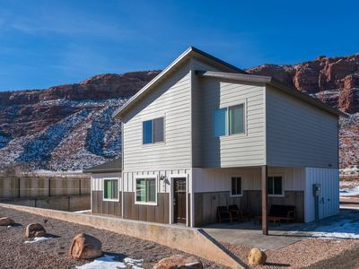 Photo for BRAND NEW mountain view house w/ private hot tub!