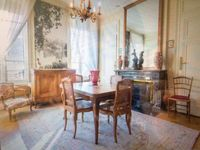 Very nice stay in classic French apartment . Clean and well equipped. Very accommodating owner.