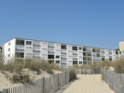 Ocean Front, private porch, full kitchen w/ dishwasher, wifi, North Ocean City steps from the beach!