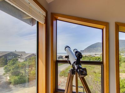 Photo for Three-story home w/gorgeous ocean views. Walk to everything! (MCA #1221)