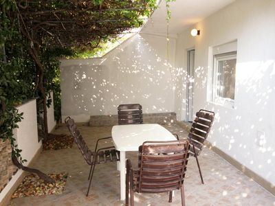 Photo for Two bedroom apartment with terrace Sutivan (Brač)