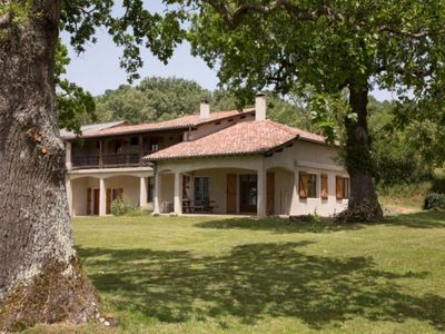 Photo for Gite Burlats, 5 bedrooms, 12 persons