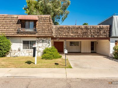 Photo for Charming, Comfortable Townhome in North Scottsdale