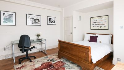 Photo for Charming and Convenient Chelsea Studio - Studio Apartment, Sleeps 2