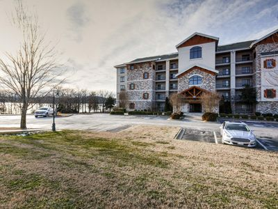 Photo for Lake Front Luxurious Condo with Resort Amenities