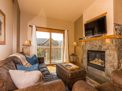 Photo for Penthouse w/Partial Slope Views, King Bed, Close to Gondola, Free WIFI