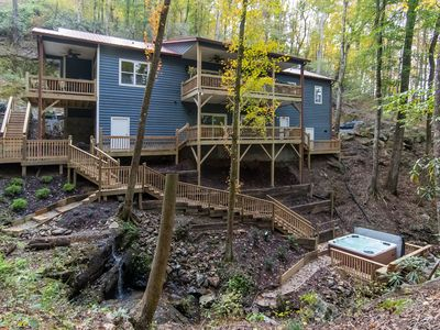 Stunning Luxury Cabin...Breathtaking Views/Waterfalls on private wooded 3 acres!