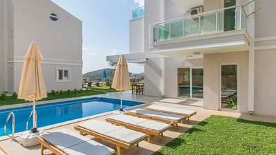 Photo for Bella Monte Duo provides a private pool and beautiful pool-terrace-cum-garden
