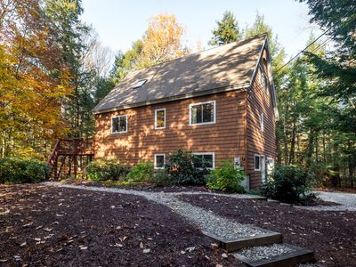 Photo for Charming home with WiFi, kayaks and access to community amenities.