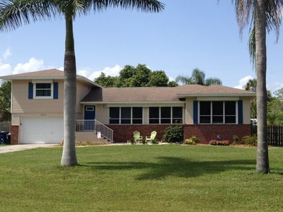 Photo for Awesome Location! Beach, Sanibel, outlet mall  secluded street 1/2 Acre Fence