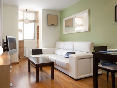 Photo for Francisco Giner apartment in Gràcia with WiFi, integrated air conditioning (hot / cold) & lift.