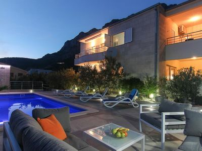 Photo for Three bedroom apartment with balcony and sea view Makarska (A-13379-a)