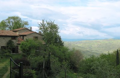 Photo for Restored farmhouse on the Tuscan hills