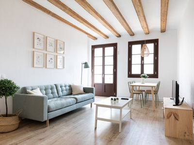 Photo for LOVELY APARTMENT CLOSE TO THE GOTHIC QUARTER AND LA BOQUERIA FOR 3