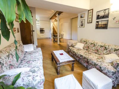Photo for Spacious Garibaldi  apartment in Bologna with WiFi, integrated air conditioning & lift.