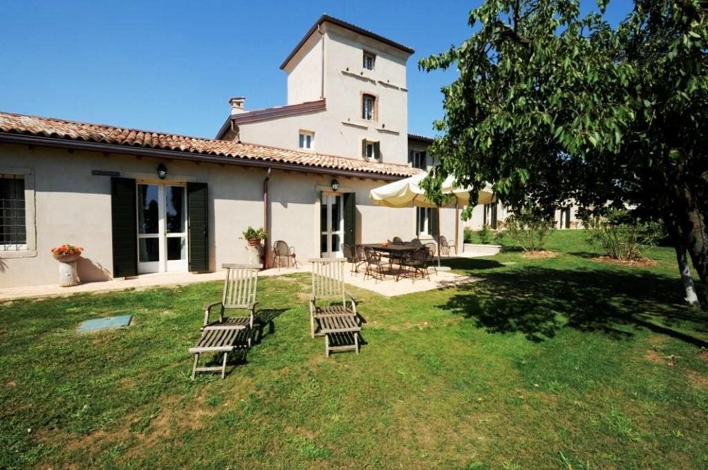 mansions in california charming house peschiera garda la vrbo 13122