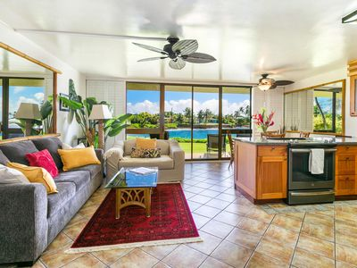 Photo for Island Style Luxury Condo - Ocean Front!