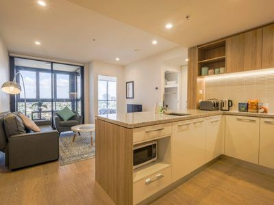 Photo for Lovely And Convenient, Home Style Apt at Southbank
