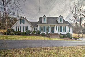 Photo for 4BR House Vacation Rental in Staunton, Virginia