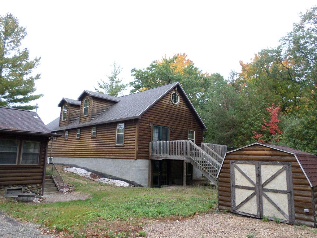 Cozy 3 bed 1 bath lakefront cabin style sleeps 6 3 double for Porto austin cabin rentals