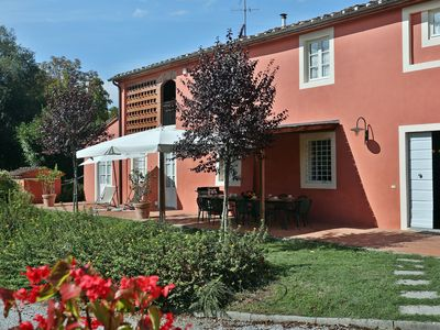 Photo for Beautiful private villa for 12 people with WIFI, private pool, TV, pets allowed and parking