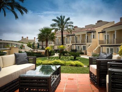 Photo for Casa Vinho, luxurious 4 bedroom townhouse, at Palmyra, Vila Sol