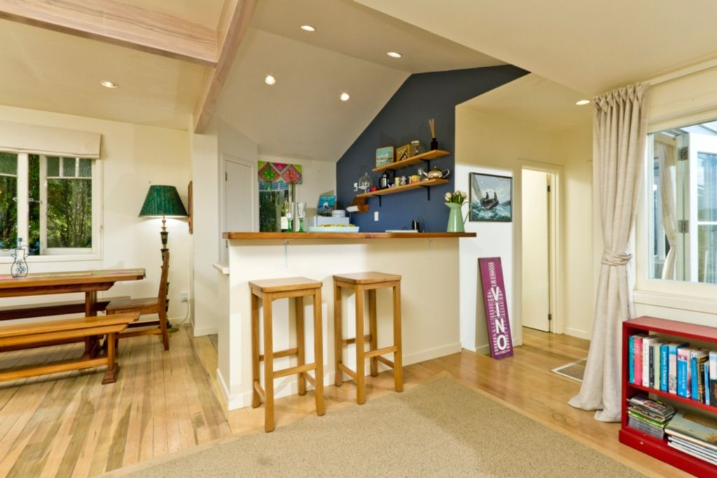 Kowhai Cottage andamp; Studio- Bach of the Week 2016