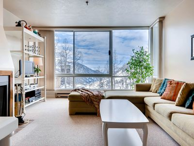 Photo for Ski in/Ski Out Quaint Condominium with Fireplace and Mountain View