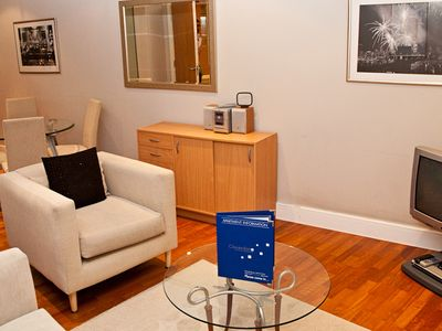 Photo for 1 bed apartment, Pepys Street, Central London.