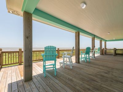 """""""Island Time"""" is a beachfront cottage with unobstructed ocean views!"""
