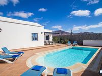 Comfortable stay. Generous amount of space for three adults. Pool heated to pleasant temperature....