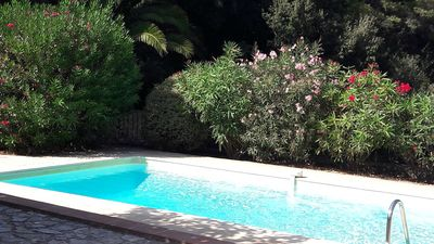 Photo for Charming Old Sheepfold with swimming pool in Sanary countryside